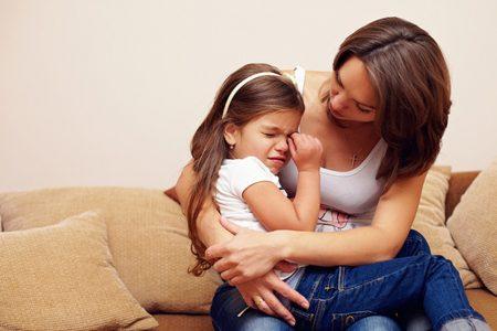 كيف تعالجين خوف الطفل بسلوكيات سهلة و بسيطة