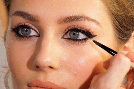 تثبيت قلم الكحل في العين