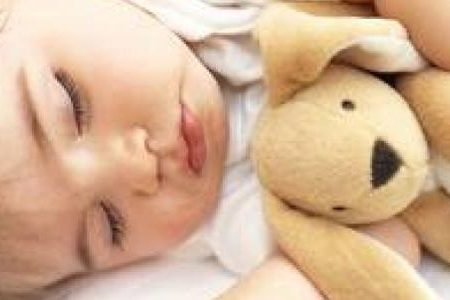 نوم الطفل الرضيع بحيل بسيطة