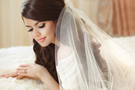 تحضيرات العروس للعناية بجمالها قبل ليلة الزفاف