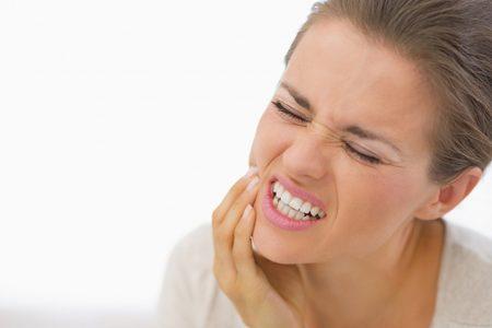 علاجات طبيعية فعالة لتسكين  الالام الاسنان